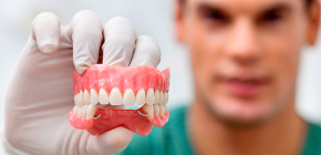 Removable dentures made of acrylic plastic